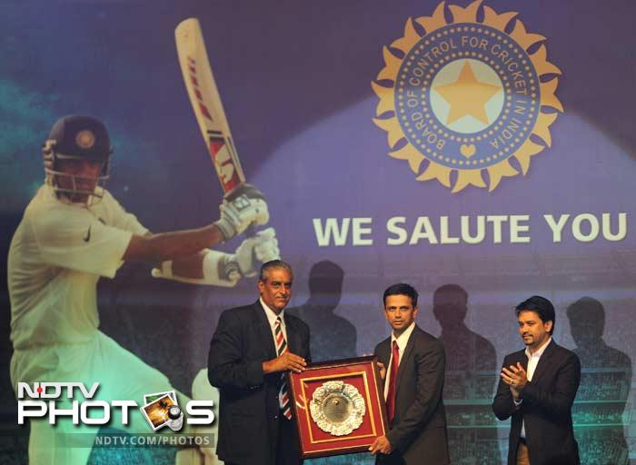 Rahul Dravid was felicitated in Mumbai by the Indian Cricket Board. While the cricketing fraternity was out in numbers, Bollywood celebrities and other big-wigs also joined the celebration to honour Dravid's 16 years of playing for India.