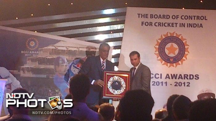 VVS Laxman was felicitated for his stupendous achievement in international cricket for past decade and half.