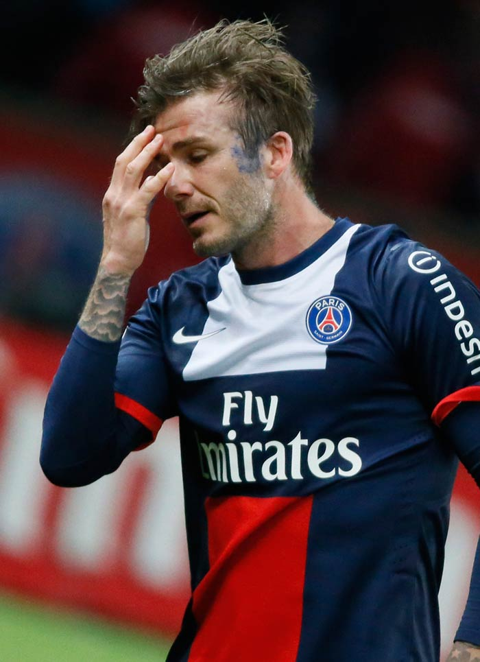 Becks played 80 minutes as captain before he was given a standing ovation by the stadium and his teammates as he left the field in a flood of tears.