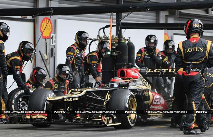 Finn Kimi Raikikonen failed to finish for the first time in 39 races due to a brake problem with his Lotus and saw him drop from second in the title race to fourth.
