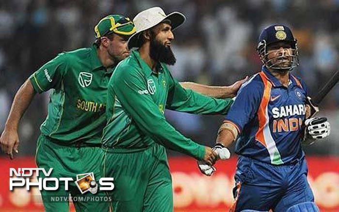 <b>Double century against South Africa: </b>Sachin Tendulkar's career has been one focused on defying all odds and the master blaster proved once again why he was still the bowlers' worst nightmare when he scored 200 against South Africa, one of the most feared attacks in the world.