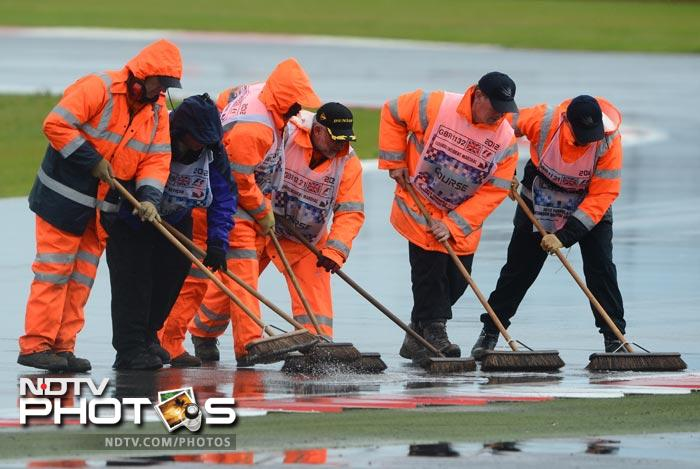 Heavy rain however forced the second qualifier to be stopped as the stewards struggled to clear the track of all the excess mud and water.