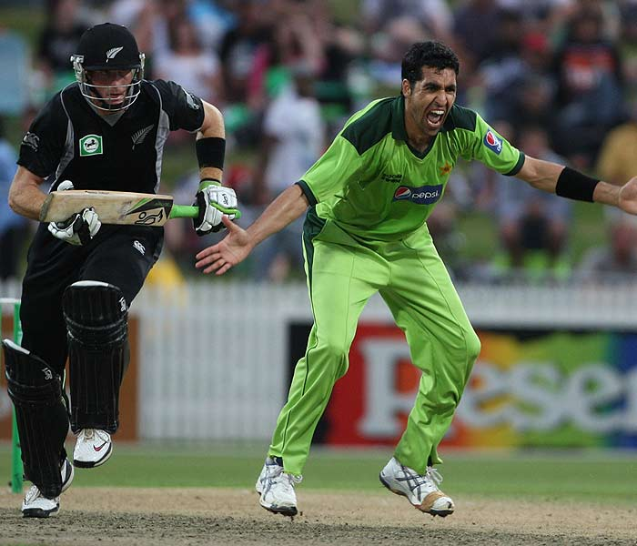 Umar Gul has a pivotel role in Pakistan's bowling department. The 26-year-old from Peshawar has spearheaded the pace battery for his side alongwith Shoaib Akhtar in this World Cup and has the appeals to show for it. (Getty Images)