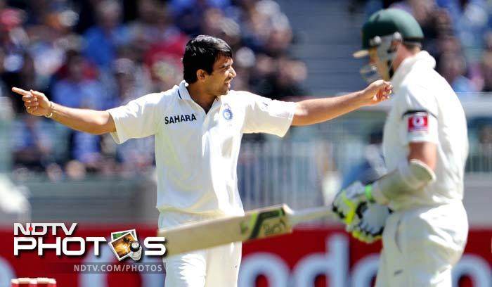 Zaheer Khan was the pick of the Indian bowlers, taking 4/77 as Australia were bowled out for 333.