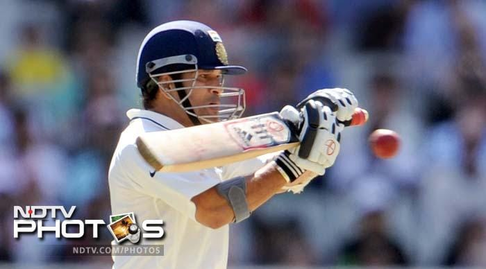 """Sehwag's fall brought in Sachin into bat and the expectation of his 100th ton. The """"Little Master"""" played some signature cover drives and an audacious upper cut over the slips for six off Siddle's first ball after tea."""
