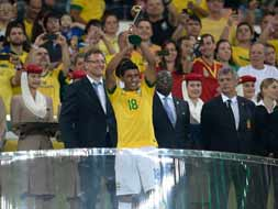 Photo : Confederations Cup: Brazil destroy Spain 3-0 to win title