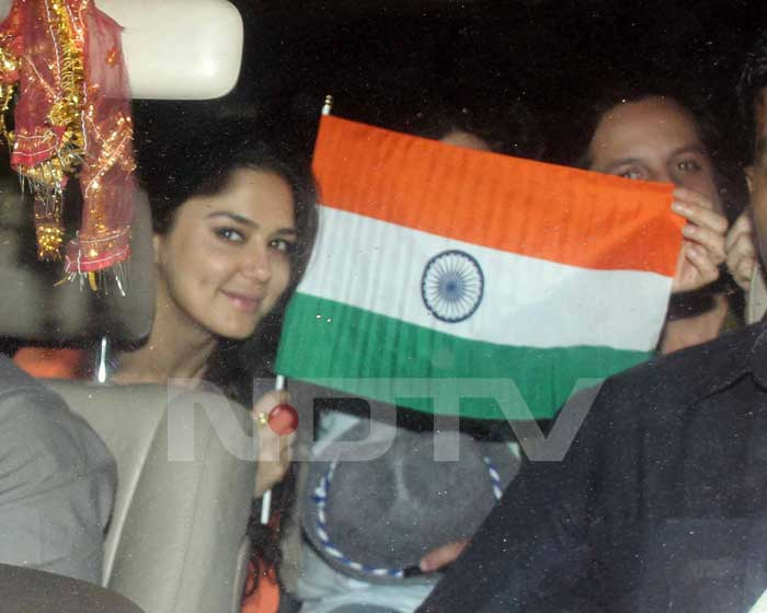 Preity made her way from the stadium.<br>(Photo Courtesy: Varinder Chawla)