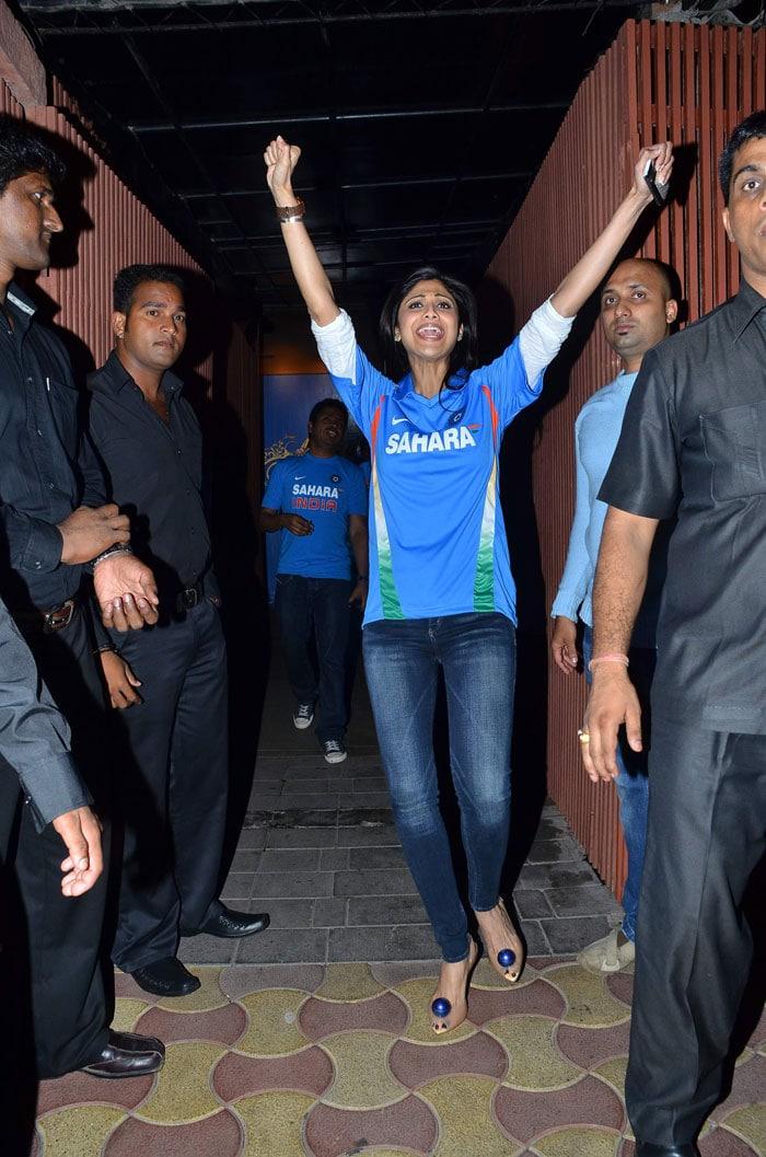 What an ecstatic moment for Shilpa Shetty! (Photo: IANS)