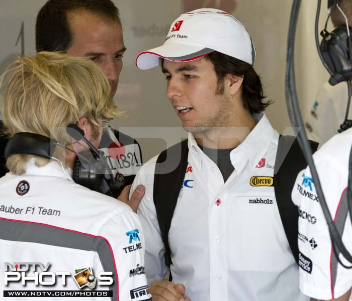 It was heartening to see Sergio Perez of Sauber at the paddock. The Mexican had suffered a crash in the previous race and though he has withdrawn from the race, was seen interacting with the pit crew.