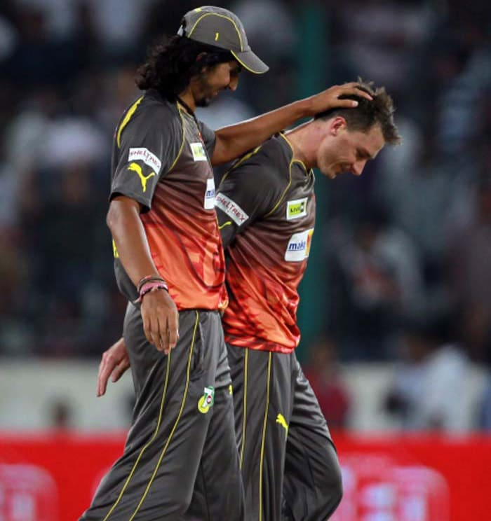 A jovial relationship between players and team owners is as important as that between the players on the field.<br><br>Ishant Sharma of Sunrisers Hyderabad is seen here sharing a light moment with his senior pace partner Dale Steyn. (BCCI image)