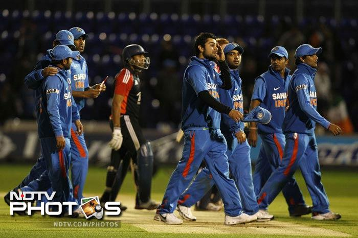Once again India fought hard but ended up on the losing side. They not only failed to give Dravid, who played his last ODI, a winning send-off, but also could not break their duck of wins on the tour.