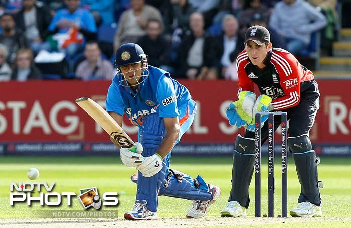 Rahane fell and Parthiv followed and in walked Rahul Dravid. He went on to play a splendid innings of 69, his 83rd and final ODI fifty.