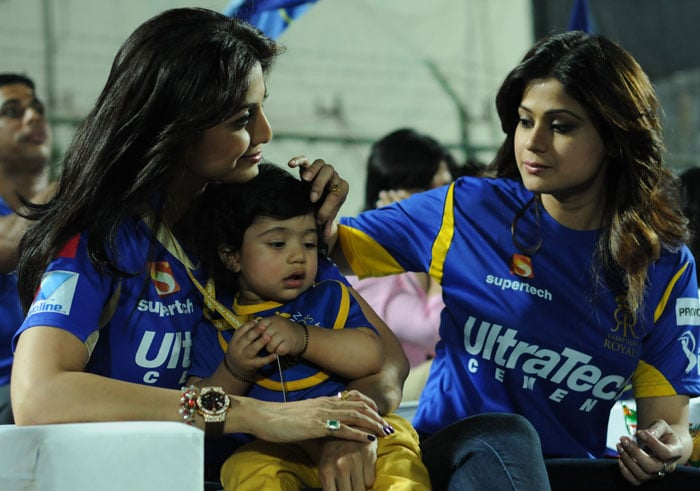 While Shilpa Shetty was spotted at Rajasthan Royals' match against Kolkata with her son Viaan, Shah Rukh Khan was present with her daughter Suhana, Nita Ambani cheered for Mumbai Indians with her son while Preity Zinta was seen cheering for Kings XI Punjab along with little fans of the franchise. (Image credit: BCCI)