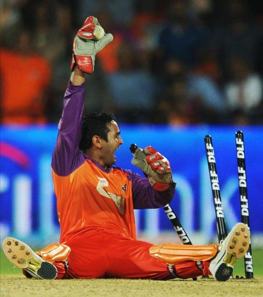 Parthiv Patel of the Kochi Tuskers became a father recently. Guess he should now stop throwing caution to the wind when either appealing or celebrating on the field in this manner. Take care Mr Patel, we want you to have many more bundles of joy.