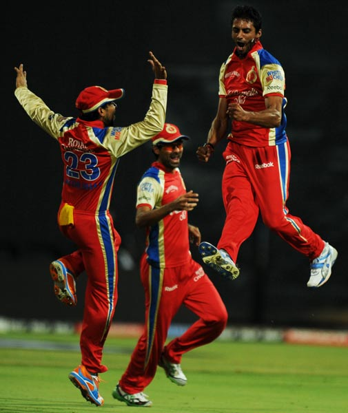 One member does and the rest follow. Sreenath Aravind seems to be doing the moon-walk, in the air, as he finds new scales to bring down with a recent burst of wickets to add to his tally.