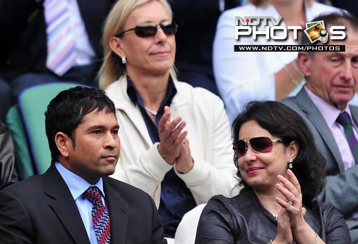 Sachin Tendulkar was in attendance at the All England Club along with wife Anjali, to watch Roger Federer in action against David Nalbandian. (AFP Photo)