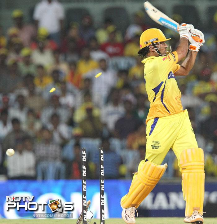 Despite his dismissal in the last over, Chennai Super Kings were able to score 13 runs, giving them a respectable total. (AFP PHOTO/Seshadri SUKUMAR)
