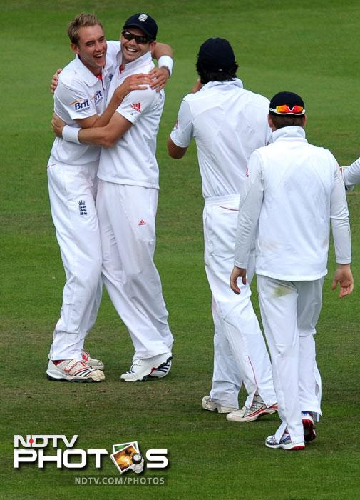 """""""Don't you just love English cricket! The thinnest guy on the team is called Broad, the ugliest - Swann, the guy that fields behind the wicket is called Prior, the guy whose father is John is called Peterson, the guy whose father is Luke is called Anderson, the slowest fielder is Trott and then they got one right-- the dumbest guy is called Bell!!! - Whosoever came up with this has put all his imagination to work."""