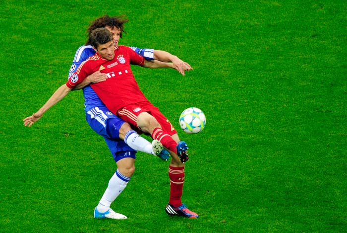 There was a lot of tussle but Bayern managed to put Chelsea's defence to the test. The visitors absorbed the pressure well on most occasions. When they couldn't Bayern missed.