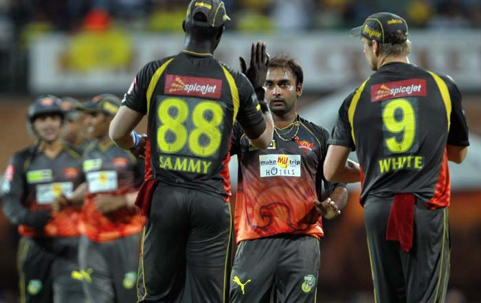 It was Amit Mishra who was responsible for getting Hyderabad into the match. The spinner claimed the first three wickets to fall. (BCCI image)