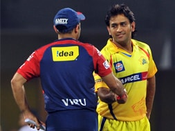 Chennai hammer Delhi by 86 runs to reach IPL 5 final
