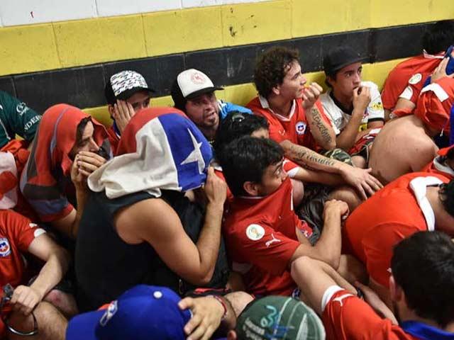 Ticketless Chilean Fans Ravage Maracana's Press Box