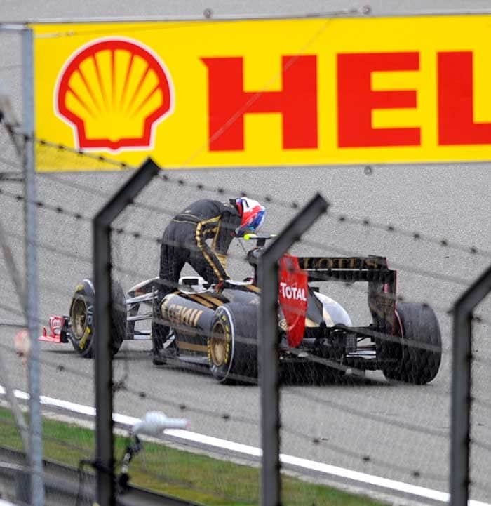 Renault's Vitaly Petrov could not set a time in Qualifying 3 and hence finished on the 10th position. (AFP Photo)