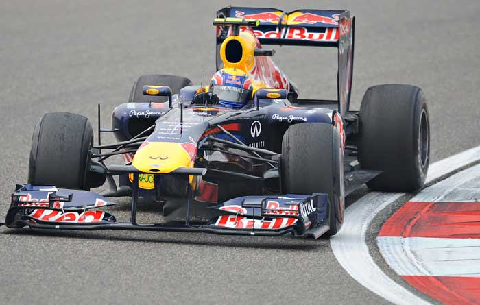 Red Bull-Renault driver Mark Webber of Australia powers his car during the second qualifying session of the Formula One Chinese Grand Prix in Shanghai. (AFP Photo)