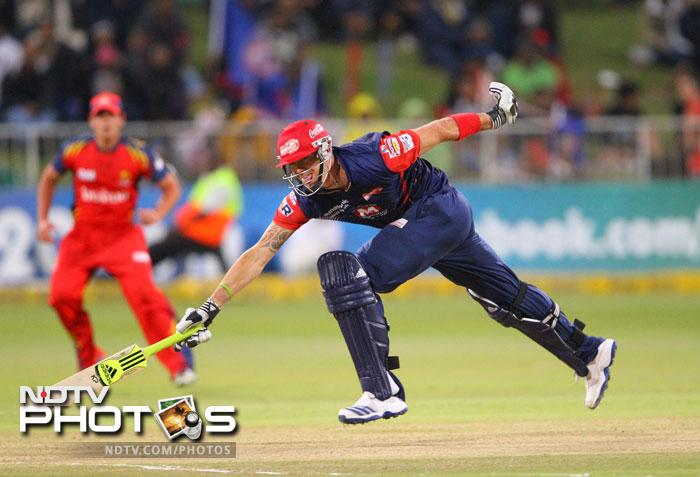 Kevin Pietersen runs to the crease during the CLT20 semi-final match between Bizhub Highveld Lions and Delhi Daredevils at the Sahara Stadium Kingsmead in Durban. (AFP Photo)