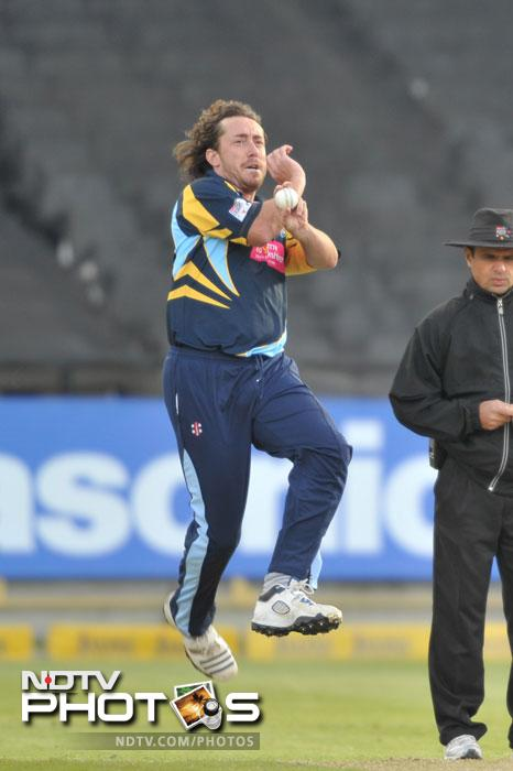 Ryan Sidebottom of Yorkshire Carnegie bowls during Match 11 of the Champions League T20 between the Mumbai Indians (India) and Yorkshire (England) at Newlands Cricket Stadium in Cape Town. (AFP Photo)