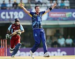 CLT20 2013: Ryan ten Doeschate takes Otago to 6-wicket win