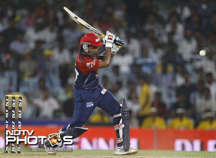 <b>Mahela Jayawardena to lead Delhi Daredevils: </b> After leading Delhi Daredevils in four of the five IPL editions, Virender Sehwag stepped down from the skipper's post last month. Mahela Jayawardena, who led Sri Lanka into the final of the World T20, will lead the side in CLT20.<br><br>Sehwag decided to give up captaincy so that he could bat more freely. Well, as long as he scores big, Delhi fans are happy with his decision.