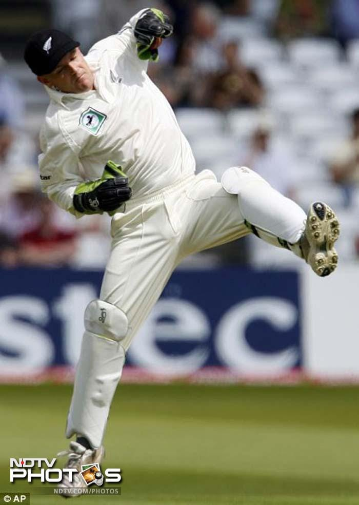 <b>Gareth Hopkins:</b> The 34 year-old skipper of the Auckland Aces may have played just 4 Tests and 25 ODIs for New Zealand but his first class record is exceptional. A skilled wicket-keeper, his batting can also be an inspiration for his team-mates.