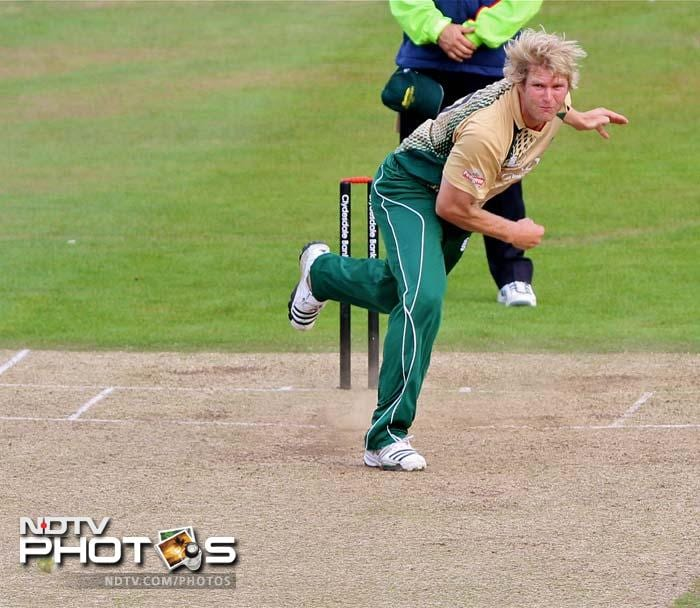 <b>Mathhew Hoggard:</b> Troubled many international batsmen during his in-form days with the national team. Has been enjoying good form for Leicestershire in recent months and will be a handful if he can combine his bowling skills with leadership qualities on sub-continent surfaces.