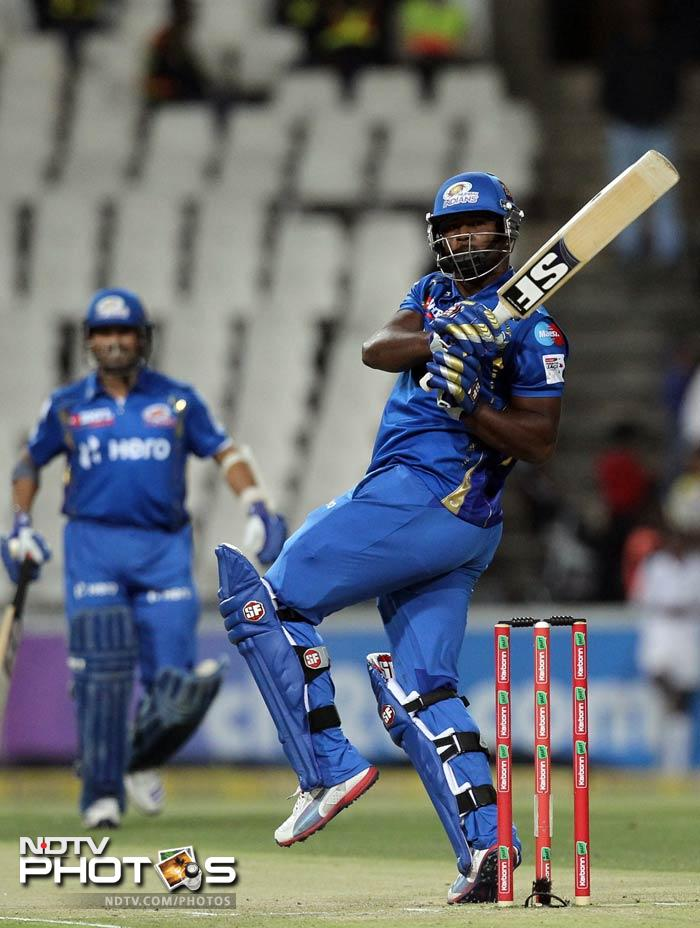 Dwayne Smith tried to force things for Mumbai Indians but couldn't carry on for long as he was scalped by Albie Morkel for 13.