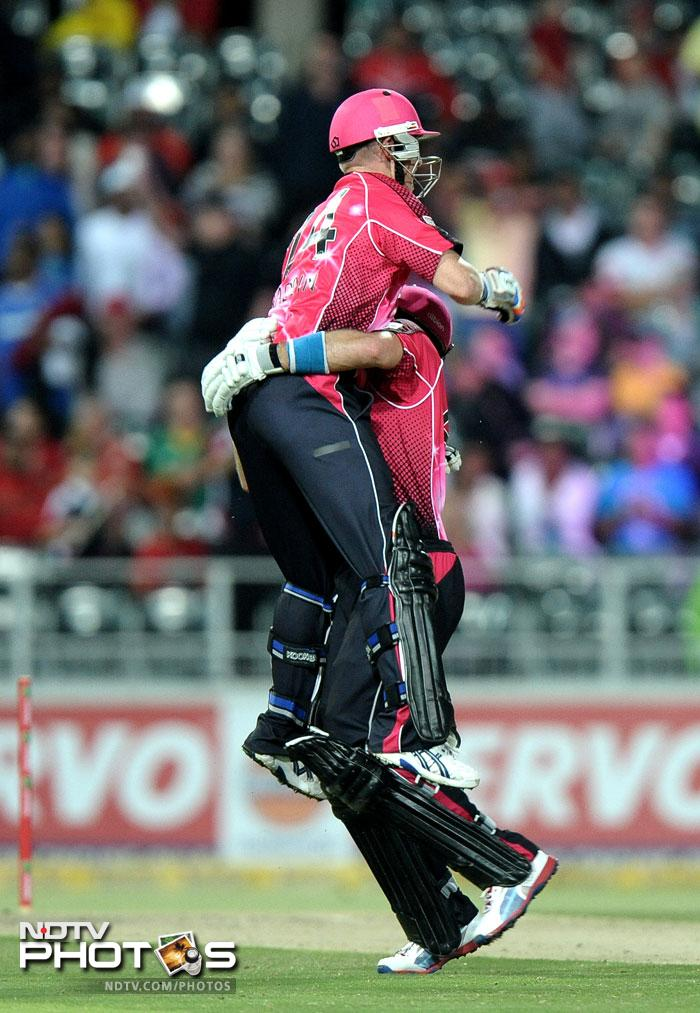 Lumb was given good support by skipper Brad Haddin who hit an unbeaten 37 from 33 balls and that sealed the match for Sydney as they became the second Australian team to win the tournament. New South Wales Blues won the inaugural edition back in 2009.