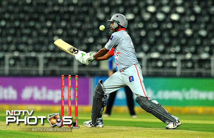 Shahid Yousaf plays the last shot during the qualifying stage of the Champions League T20 against the Auckland Aces at the Wanderers Stadium in Johannesburg. (AFP Photo)