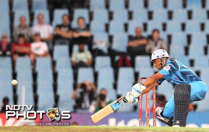 It was a slow start for the Nashua Titans, but Henry Davids batted right through the innings for his 44-ball 59. He hit 3 boundaries and 3 sixes. (AP & AFP photos)