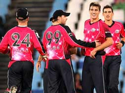 Sydney Sixers clinch a nail-biter against the Nashua Titans