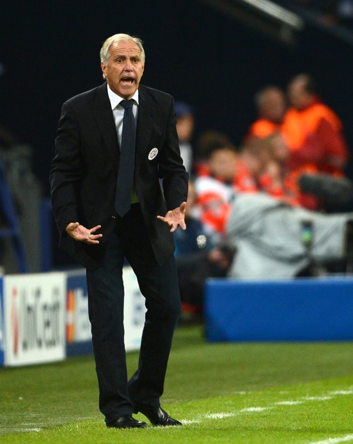 Fortunately for him though, his team managed to snatch a late draw vs Schalke.