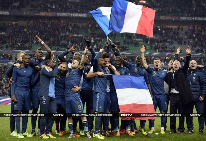 France produced a stunning performance to overturn a two-goal first-leg deficit and qualify for the World Cup finals on Tuesday, beating Ukraine 3-0 in Paris. (AFP image)