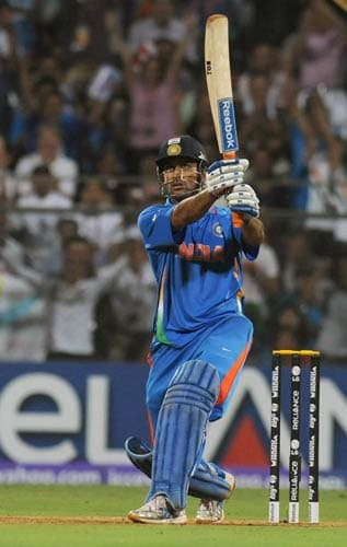 Drum rolls please! The craziest shot of this year has got to be the shot that gave India the World Cup. Indian skipper's magnificent strike into the crowd helped India lift the World Cup after 28 years.