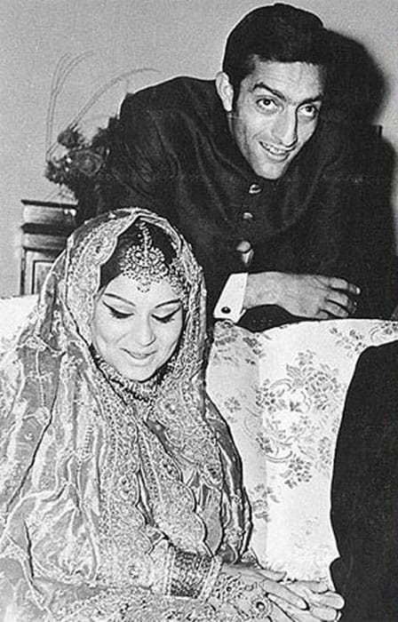 <b>Nawab Pataudi and Sharmila Tagore: </b> This was literally a story of a damsel being swept off her feet by her prince charming. Despite coming from two different religious backgrounds, they tied the knot in 1969. This perhaps is the first love story between Bollywood and Cricket.