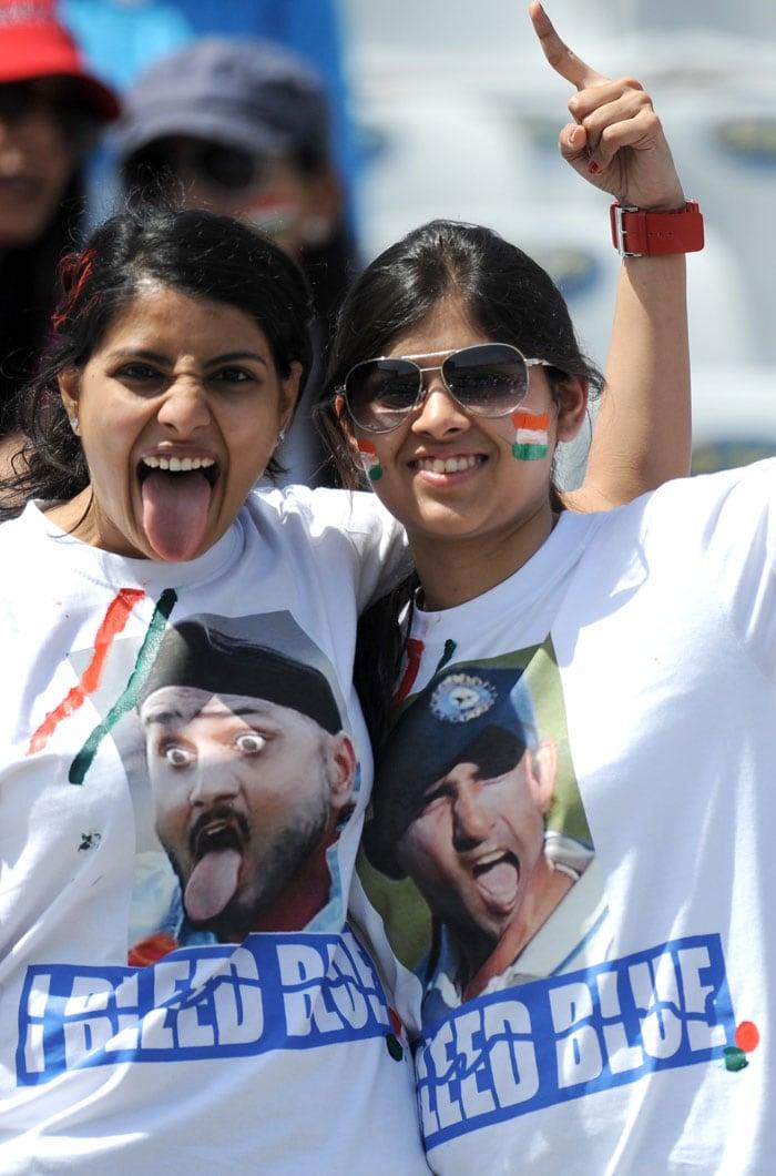 Fans of Bhajji and Gauti strike a pose.