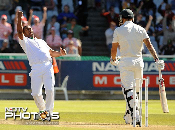 <b>South Africa bowl out Australia for 47:</b> Whenever these two teams clash, some records are shattered and many are made! And this time the South African pace trio of Vernon Philander, Morne Morkel and Dale Steyn fired in unison to bowl out the Aussies for a paltry 47 runs on Day 2 of the first Test match in Cape Town. And this fury followed after the hosts were shot out for 96 runs in their first innings. South Africa went on to win the match by 8 wickets. Such great contests certainly are like shot in the arm for Test cricket.