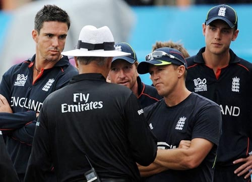 The Duckworth Lewis system used to decide rain-interrupted matches has forever been under great scrutiny. The system has often been criticised for aiding the side batting second and the its application in T20 matches is now under the microscope after England skipper Paul Collingwood hit out at the system after his side lost to West Indies in a group game in the 2010 ICC World Twenty20.<br><br>England scored 191/5 in 20 overs, and rain interrupted play after 2.2 overs of the chase when West Indies had scored 30/0. According to the D/L method, West Indies were set a target of 60 runs in 6 overs, which they achieved with a ball to spare.<br><br>The D/L system uses the resources (wickets and overs) available with the side batting second to ascertain the revised target. But with the T20 game being extremely short, questions are now being raised about its appropriateness in this format.
