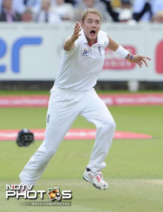 <b>Stuart Broad (England): </b>Police vans all around Birmingham where we are right now. Either @alexhales is in town or these riots are spreading.<br><br>This was also re-tweeted by Raina.