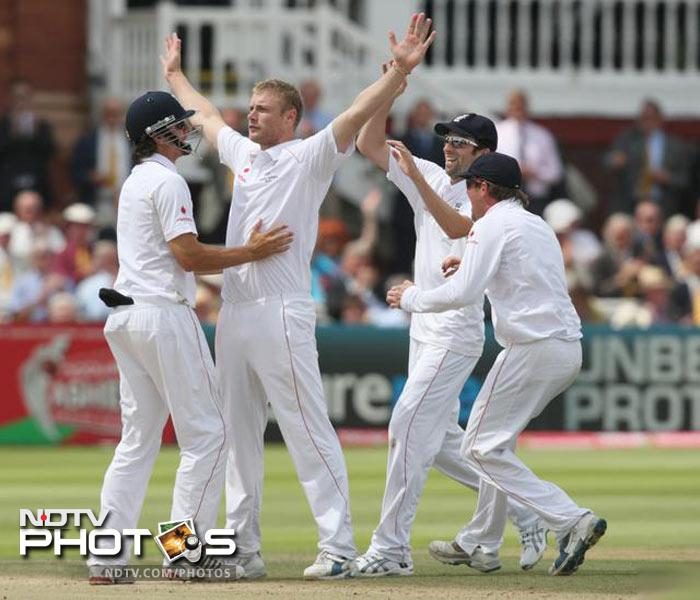 <b>Andrew Flintoff (Former England skipper): </b>I think it's harsh to have a pop at the police. They too are putting themselves in danger to protect us!I hope everyone's behaving up north.