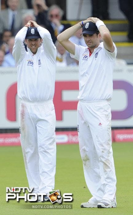 <b>Graeme Swann (England): </b>Goodnight England. Good luck to those surrounded by the carnage. Be safe.