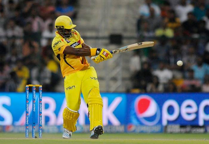 Electing to bat, Chennai Super Kings lost Brendon McCullum early while Dwayne Smith also struggled during his 29-run knock. (All BCCI images)